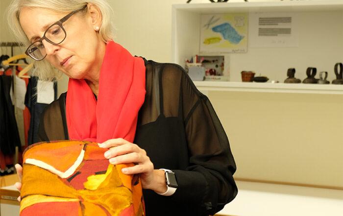 Barbi Kleinermann bei der Eingabe der neuen Herbst-Winterkollektion 2020